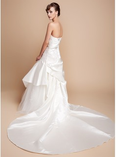 A-Line/Princess Sweetheart Royal Train Satin Wedding Dress With Ruffle Appliques Lace
