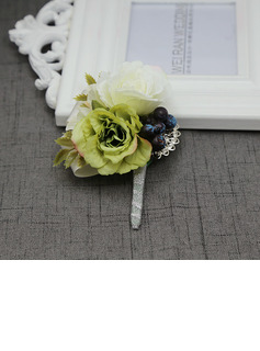 Simple And Elegant Free-Form Cloth Boutonniere - Boutonniere