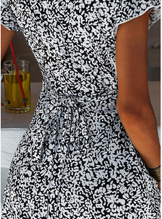 Floral Print A-line V-Neck Short Sleeves Midi Casual Vacation Skater Dresses