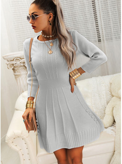 Solid Round Neck 3/4 Sleeves Casual Dresses