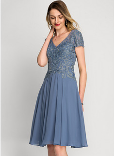 V-neck Knee-Length Chiffon Cocktail Dress With Beading Sequins