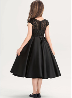 A-Line Scoop Neck Knee-Length Satin Lace Junior Bridesmaid Dress With Pockets