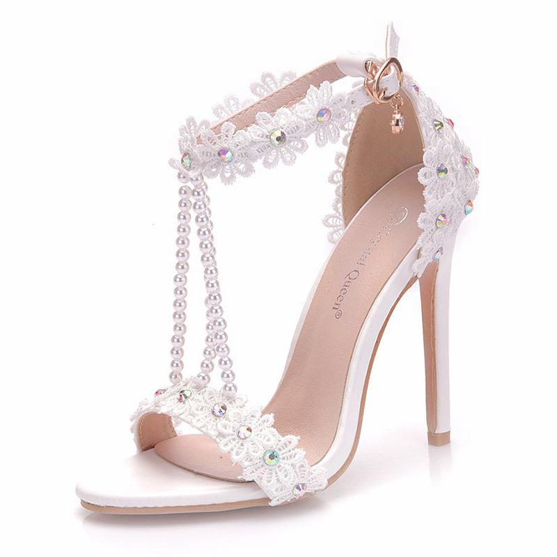 Women's Leatherette Spool Heel Platform With Applique