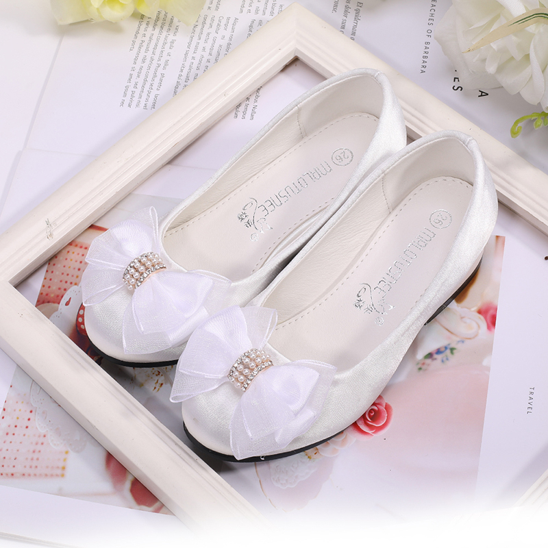 Girl's Round Toe Closed Toe Silk Like Satin Flats Sneakers & Athletic Flower Girl Shoes With Flower