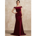 Trumpet/Mermaid Off-the-Shoulder Sweep Train Velvet Mother of the Bride Dress With Ruffle (008225556)