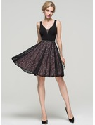 A-Line/Princess V-neck Knee-Length Lace Cocktail Dress With Beading