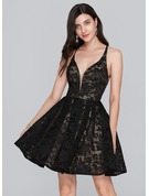A-Line/Princess V-neck Short/Mini Lace Homecoming Dress