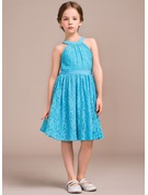 A-Line/Princess Scoop Neck Knee-Length Lace Junior Bridesmaid Dress With Ruffle Bow(s)