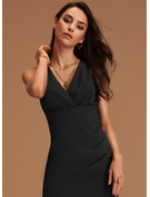 Sheath/Column V-neck Knee-Length Stretch Crepe Homecoming Dress