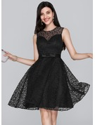 A-Line Scoop Neck Knee-Length Lace Homecoming Dress With Bow(s)