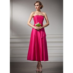 A-Line/Princess Strapless Tea-Length Taffeta Bridesmaid Dress