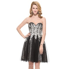 A-Line/Princess Sweetheart Knee-Length Tulle Lace Prom Dress With Beading Appliques Lace Sequins