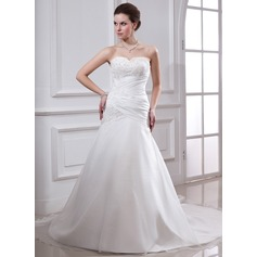 A-Line/Princess Sweetheart Chapel Train Taffeta Wedding Dress With Ruffle Lace Beading