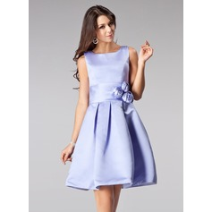 A-Line/Princess Square Neckline Short/Mini Satin Bridesmaid Dress With Flower(s)