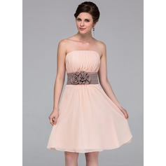 Chiffon Strapless Knee-length A-Line Bridesmaid Dress