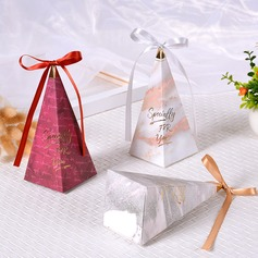 Romantic Moment Cubic Card Paper Favor Boxes With Ribbons