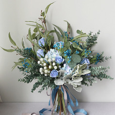 Nice Free-Form Silk Flower Bridal Bouquets -