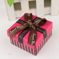 Simple Cuboid Favor Boxes With Ribbons