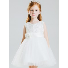 A-Line/Princess Knee-length Flower Girl Dress - Tulle Sleeveless Scoop Neck With Bow(s)