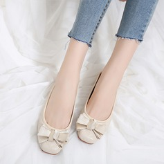 Women's PU Flat Heel Flats Closed Toe With Bowknot shoes (086138732)