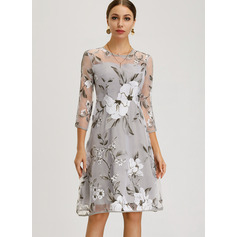 A-Line Scoop Neck Knee-Length Mother of the Bride Dress