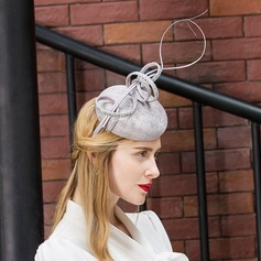 Ladies' Fashion/Special/Elegant Cambric With Feather Beret Hat