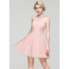 A-Line/Princess Scoop Neck Short/Mini Chiffon Homecoming Dress With Beading Sequins Bow(s) (022087597)
