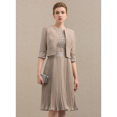 Scoop Neck Knee-Length Chiffon Lace Mother of the Bride Dress With Pleated