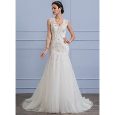 Trumpet/Mermaid V-neck Sweep Train Tulle Lace Wedding Dress With Beading Appliques Lace