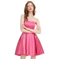 A-Line Strapless Short/Mini Satin Homecoming Dress With Beading Sequins