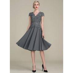 A-Line/Princess V-neck Knee-Length Cocktail Dress With Beading (016121913)