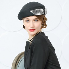 Ladies' Beautiful Wool/Fabric With Bowknot Beret Hats