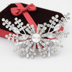 Romantic Flowers Alloy/Rhinestones With Rhinestone Ladies' Brooch