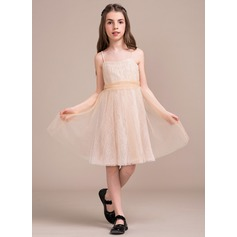 A-Line/Princess Knee-Length Tulle Lace Junior Bridesmaid Dress With Ruffle Bow(s)