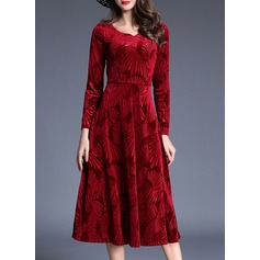 Velvet With Stitching Midi Dress (199134278)