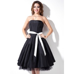 A-Line/Princess Strapless Knee-Length Taffeta Bridesmaid Dress With Sash