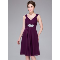 A-Line/Princess Sweetheart Knee-Length Chiffon Bridesmaid Dress With Ruffle Beading Appliques Lace