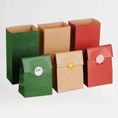 Vintage Pearl Paper Favor Bags (Set of 30)