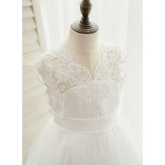 Ball-Gown/Princess Sweep Train Flower Girl Dress - Satin/Lace Sleeveless V-neck With Embroidered (Undetachable sash)
