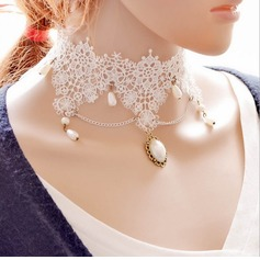 Fashional Lace With Imitation Pearl Ladies' Fashion Necklace