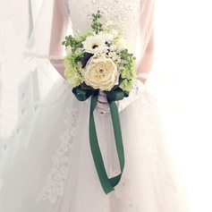 Simple And Elegant Free-Form Artificial Silk Bridal Bouquets -