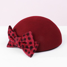 Ladies' Classic/Simple Wool With Bowknot Beret Hats