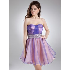 A-Line/Princess Sweetheart Short/Mini Organza Homecoming Dress With Ruffle Beading Sequins