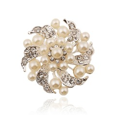 Gorgeous Alloy Rhinestones Imitation Pearls Ladies' Fashion Brooches (Sold in a single piece)
