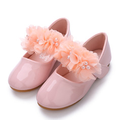 Girl's Closed Toe Patent Leather Flat Heel Flats Flower Girl Shoes With Imitation Pearl Velcro Flower
