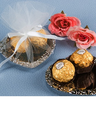 Classic Heart-shaped Favor Boxes With Ribbons