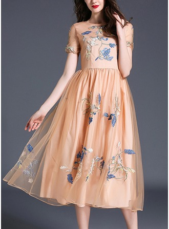 Organza With Embroidery/Hollow Midi Dress