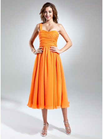 A-Line/Princess One-Shoulder Tea-Length Chiffon Homecoming Dress With Ruffle