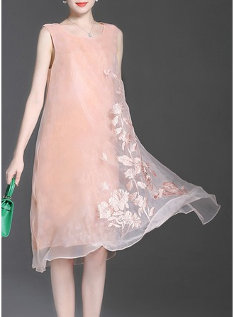 Organza With Mesh/Embroidery/See-through Look Knee Length Dress