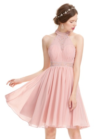 A-Line/Princess Scoop Neck Knee-Length Chiffon Prom Dress With Ruffle Beading Sequins